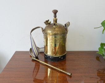 Spraying machine 1940s - Old medical instruments