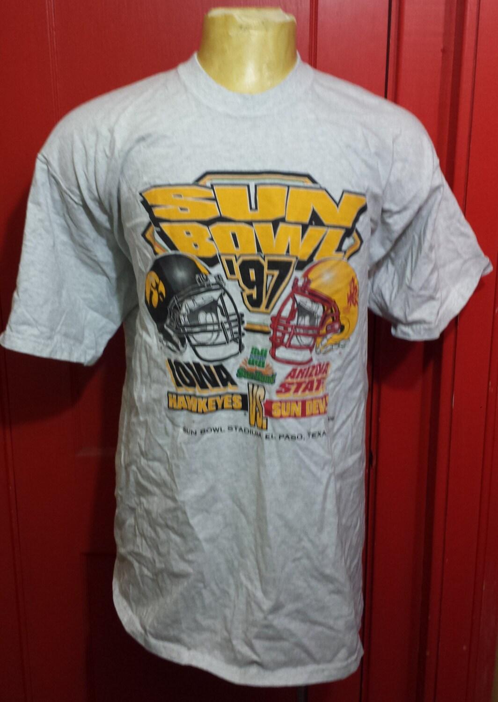 Vintage university of iowa hawkeyes 1990 39 s sun bowl for University of iowa shirts