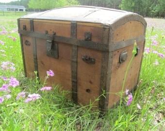 Antique Steamer Trunk, Round Top Trunk, chest, storage box, farmhouse decor, rustic cabin decor