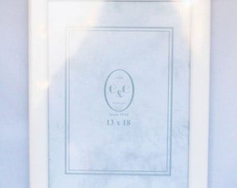 white frame 13cm x 18cm