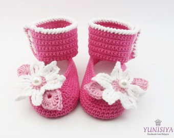 Crochet Pink Shoes for Baby Girl, Crochet Baby Shoes, Baby Gift, Baby Showe, flower shoes, Newborn Girl Shoes, Hot Pink Shoes, Pink Shoes