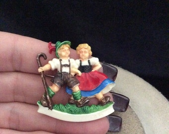 Vintage Dutch Boy & Girl Dancing Pin