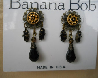 Banana Bob gold and black cabochon earrings .99 shipping!!