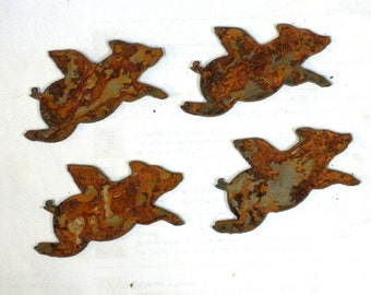 "Lot Set of 4 Flying Pigs with Wings 3"" Shape Rusty Vintage Antique-y Metal Steel Wall Art Ornament Craft Sign"