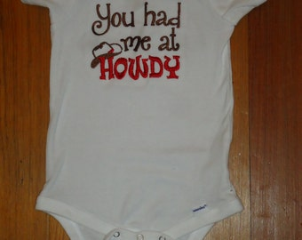 Embroidered Baby Bodysuit, You had me at Howdy, Cowboy Bodysuit, Country Baby, Cowboy Hat, Western Baby, Baby Boy, Baby Girl, Cowgirl Hat