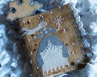 """Pattern: Needle Case """"Winter Ice"""" Queen of the Needles Cross Stitch - Primitive Hare"""