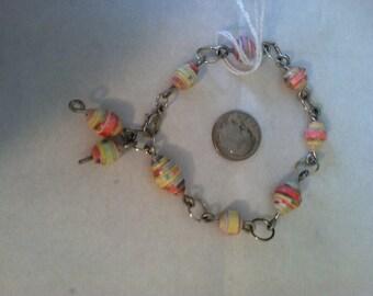 Paper beaded bracelet