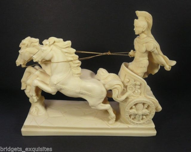 Vintage 2 Horse Chariot with Roman Soldier Figurine Sculpture -> Table Basse Industrielle Chariot Ptt