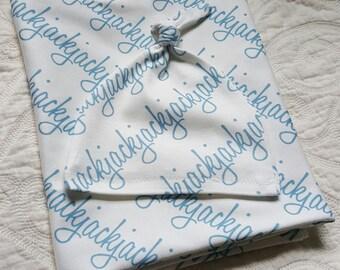 Baby name blanket. Personalized Newborn Gift Set. 100% organic cotton. Baby Blanket and Knot Newborn Beanie. Newborn Swaddle Blanket.