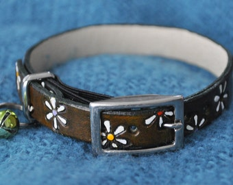 ME Selection Flower Power Leather Cat Collar