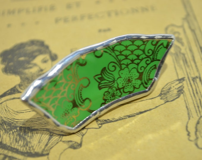 Porcelain big green and gold ring
