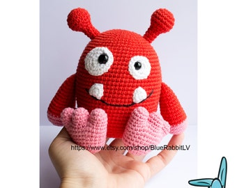 Red smiling monster - amigurumi crochet pattern. .PDF file. ENG.