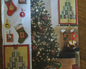 Simplicity 2488, Christmas decorations, ornaments, quilt, tree skirt, stockings, UNCUT sewing pattern, craft supplies