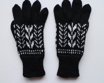 Hand knitted gloves with fingers