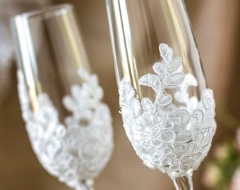 Wedding Champagne Flutes Vintage Wedding Glasses, Lace Toasting Glasses, Rustic Wedding Personalized Toasting Glasses, Wedding Gift  2pcs