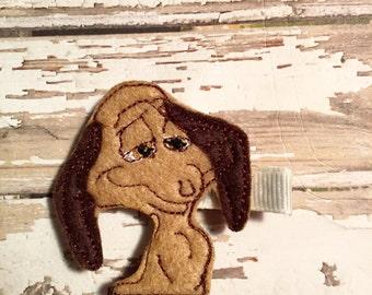 Christmas in July. Max the Christmas dog feltie hair clip, felt clippie, felt hair clip.