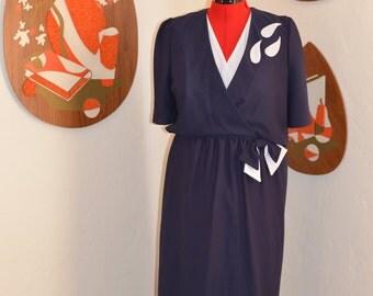 Womens Vintage 1970s Navy Blue/White Secretary Dress with White Leaf Detailing and Elastic Waist MEDIUM/LARGE