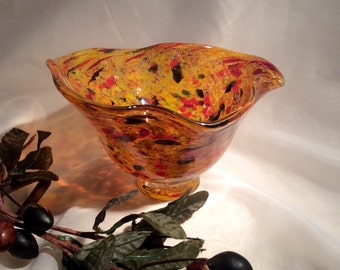 Hand Blown Glass Flutter Bowl.  Citrus and Olives Art Glass Bowl.  Fall Colors Blown Glass Bowl.