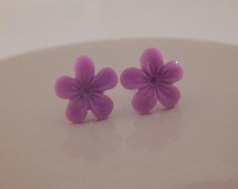 Violet Post Earrings - Birth Flower for February - Resin Floral Studs, Flower Girl post earrings, Aquarius Pisces Birthday Gift; Purple Post