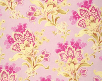 Nostalgia Kitty Pink - 1/2yd