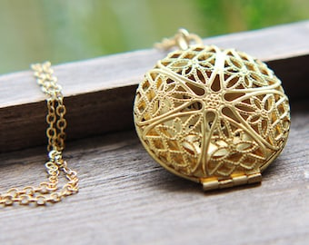 Round Locket Necklace, Locket Pendant, Filigree Gold Brass Locket Necklace, Vintage Style Locket, Photo Locket, Bridesmaid Jewelry