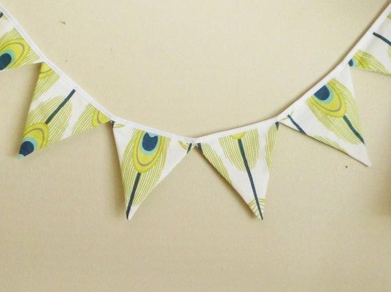 Feathers Bunting / Peacock / Fabric Banner / Party garland / Mantle banner / flag bunting / Peacock Feathers / Green and Blue / Photo prop