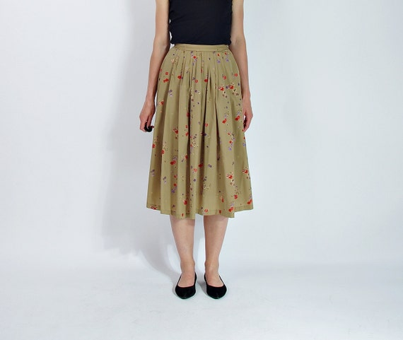 SALE - 70s Vintage Floral Khaki Women Skirt with Hidden Pockets / Size M