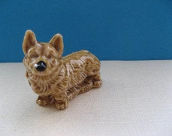 Wade Whimsie Corgi ceramic figurine; glazed,vintage, handpaintes, seventies