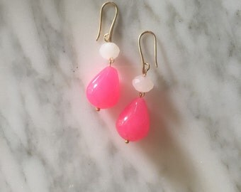 Earrings with agate and resin.