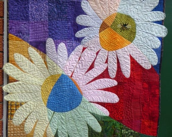 Daisies quilted wall hanging