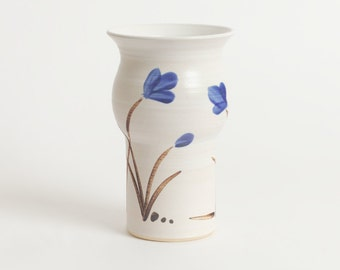 Single pint. Stoneware pint, English pint, pottery pint, ceramic mug, ceramics and pottery, stoneware beer mug, beer glass, pottery, kitchen