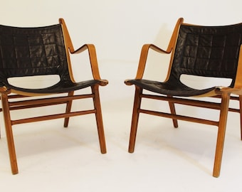 Mid Century Modern Fritz Hansen Pair of Bentwood and Leather Chairs