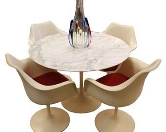 Mid Century Modern Saarinen Marble Tulip Dining Table & 4 Saarinen Arm Chairs