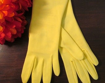 Vintage 1960's Fownes Ladies Gloves / NOS Yellow Women's Dress Gloves / Size 6-7 Nylon Gloves / Vintage Ladies Accessories/ Vintage Clothing