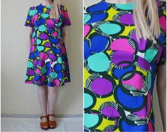 Vintage 70s dress Polka dot spotted colourful multicolour mod retro knee length mini A line Shift kitsch  Soviet Vintage M Medium