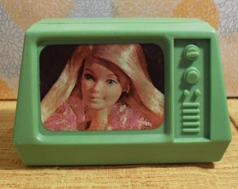 1977 Vintage Barbie Doll Electronic Style Old Fashioned Tube Green Television TV