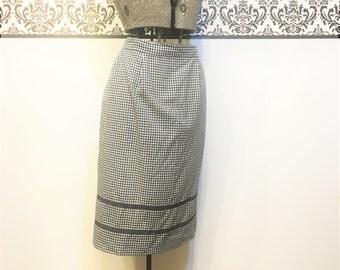 1950's Black Gingham Apron, Vintage Black Checkered Apron, 1950's Boudoir Apron, Vintage Plus Size Apron, Vintage Hostess Apron, 50's Apron