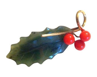 vintage 1960s Wells Jade Holly Leaf and Berry Brooch Gold Setting