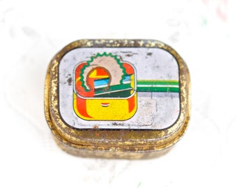 Vintage Pencil Sharpener - Small Tin Box