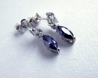 Purple Stone Earrings - Vintage Jewellery - Silver Drop Earrings