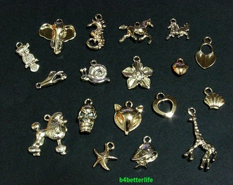 Lot of 18pcs Gold Color Plated Metal Charms. #chc105.