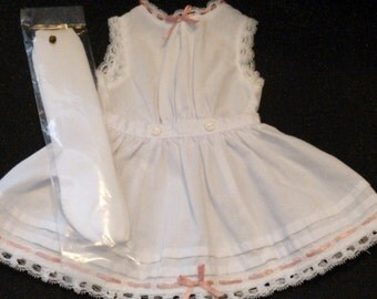 American Girl Pleasant Company Samantha's Lacy Whites ... Underwaist, Petticoat and Stockings ... Minty Condition ... Retired