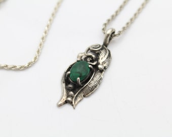 """Vintage Navajo Flower Leaf Pendant with Malachite in Sterling Silver 16"""" Chain. [9596]"""