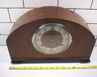 Vintage Mantle Clock - Wooden Shelf clock - Made in Canada - Art deco clock - Forestville - Bertmar