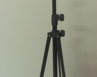 Fully adjustable Puppet stand with carry case