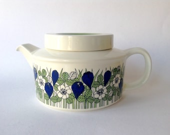 Arabia Finland Esteri Tomula Krokus Teapot