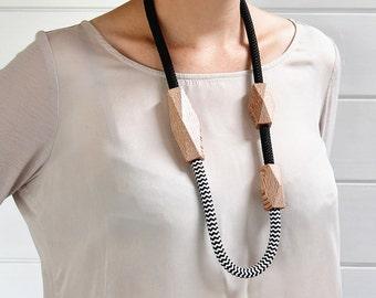 Rewarewa Rope Necklace Long
