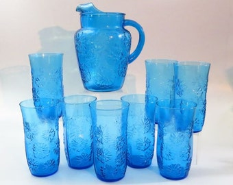 """Vintage Anchor Hocking Blue """"Springsong"""" Mod Daisy Pitcher and Glasses"""