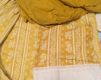 Lady Pepperell Gold muslin white floral stripe eyelet full sheet set