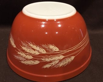 Autumn Harvest RUST 402 mixing bowl - Pyrex